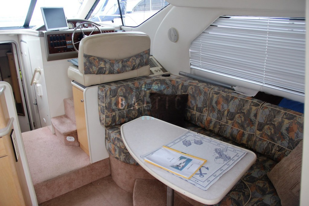 Bayliner 3258 Flybridge - Baltic Boat